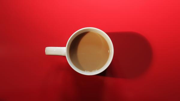 Servering finns med kaffe/the, dricka, kaffebröd etc. Serveringen sköts av Karlskoga Ridklubb, våra värdar på anläggningen. Swish finns.